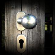 locksmiths, doorlock,locksmith australia, locksmiths canberra